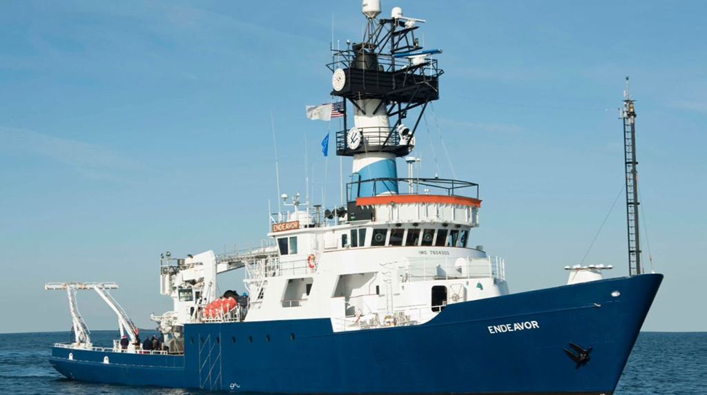 <div style='color:#000000;'><br /><br /><h2>R/V Endeavor-Owned by the National Science Foundation and operated by the University of Rhode Island (URI). </h2>Photo courtesy of URI</div>