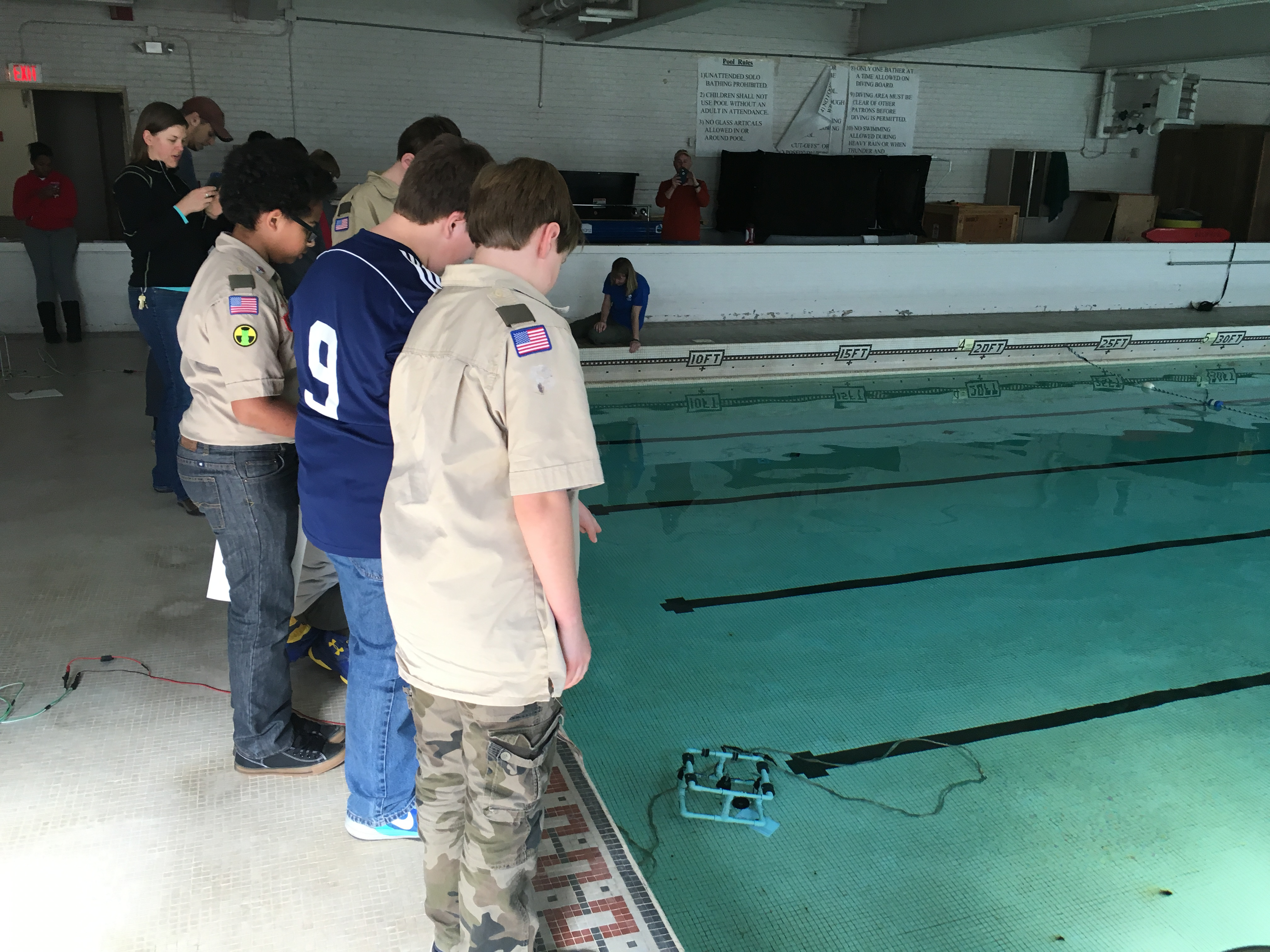 <div style='color:#000000;'><br /><br /><h2>2016 Boy Scouts Advancarama- Scouts driving model ROVs (remotely operated vehicles) to learn about bottom topography.</h2>(C)&nbsp;ECOGIG</div>