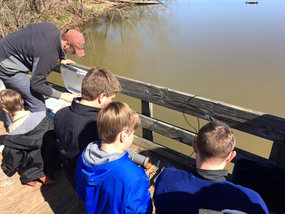 <div style='color:#000000;'><br /><br /><h2>2016 Boy Scouts Advancarama- Scouts learned about water sampling from ECOGIG graduate students Andy Montgomery and Ryan Sibert in order to fulfill the requirements of their Oceanography badge.</h2>(C)&nbsp;ECOGIG</div>