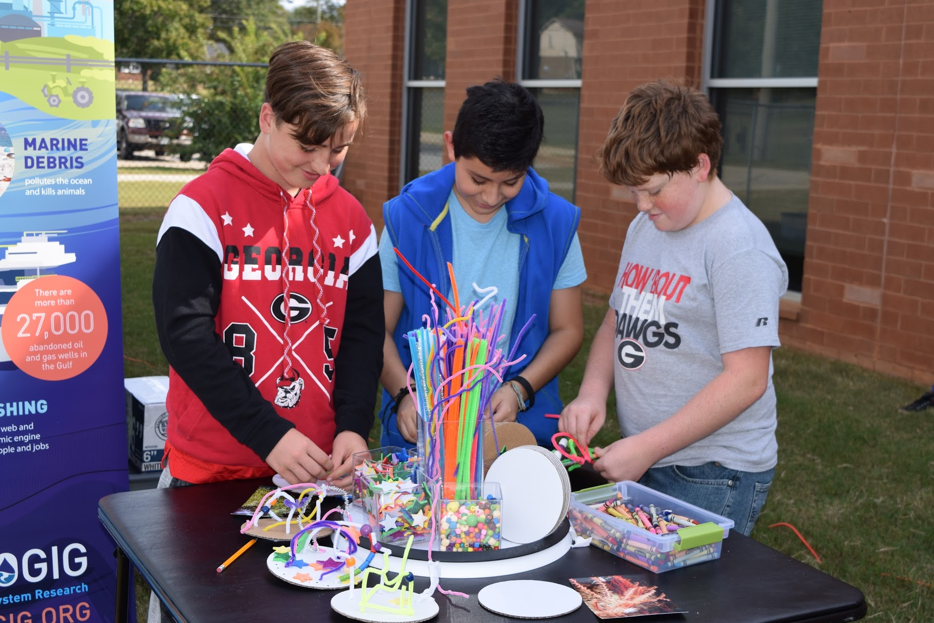 <div style='color:#000000;'><br /><br /><h2>Cowan Road Middle School students building models of deepwater corals</h2>Photo courtesy of Steven Taylor, CEISMC</div>