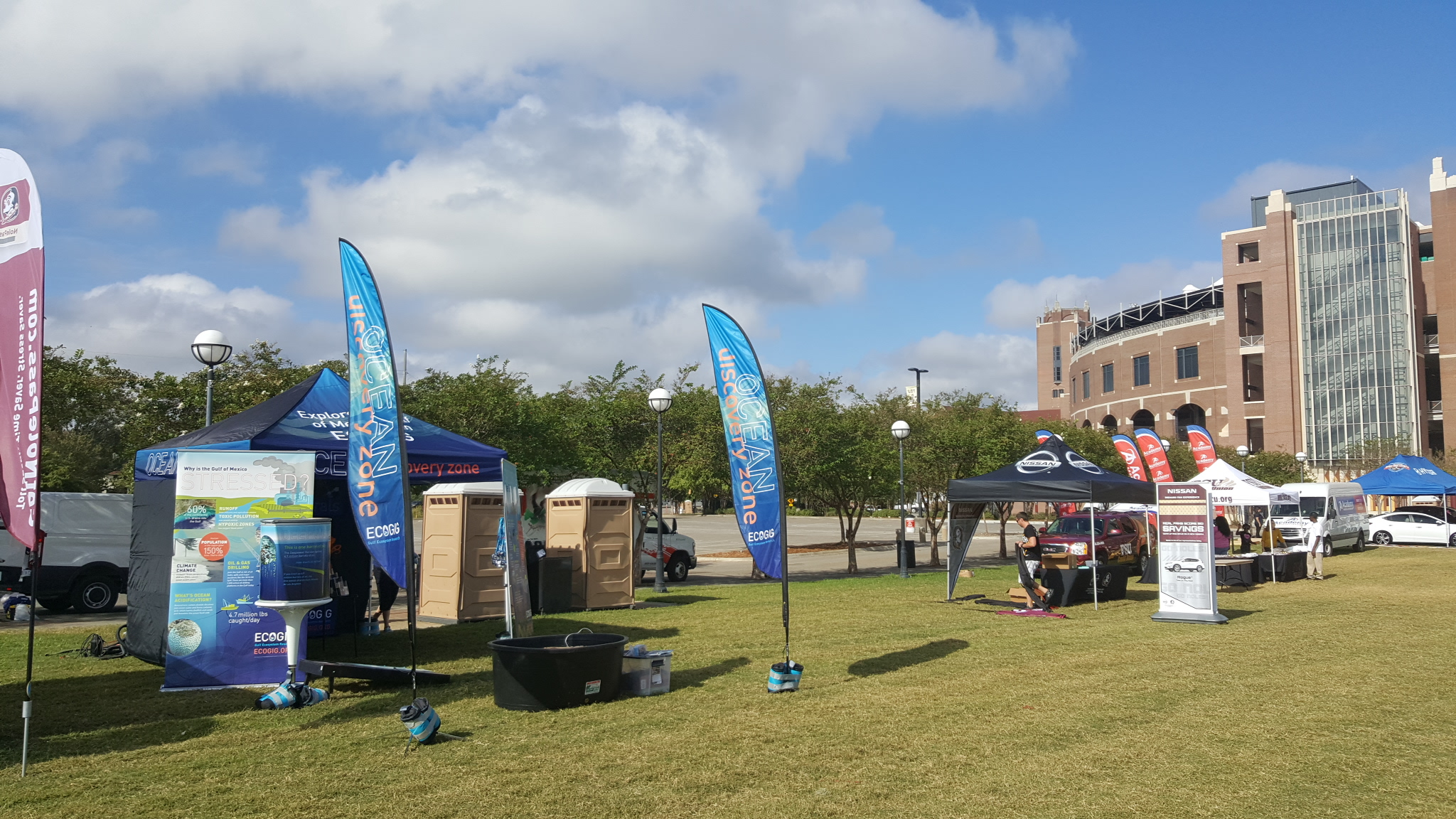 <div style='color:#000000;'><br /><br /><h2>The Ocean Discovery Zone set up in front of Doak Campbell stadium in Tallahassee, FL- October 2016</h2>(c) ECOGIG</div>