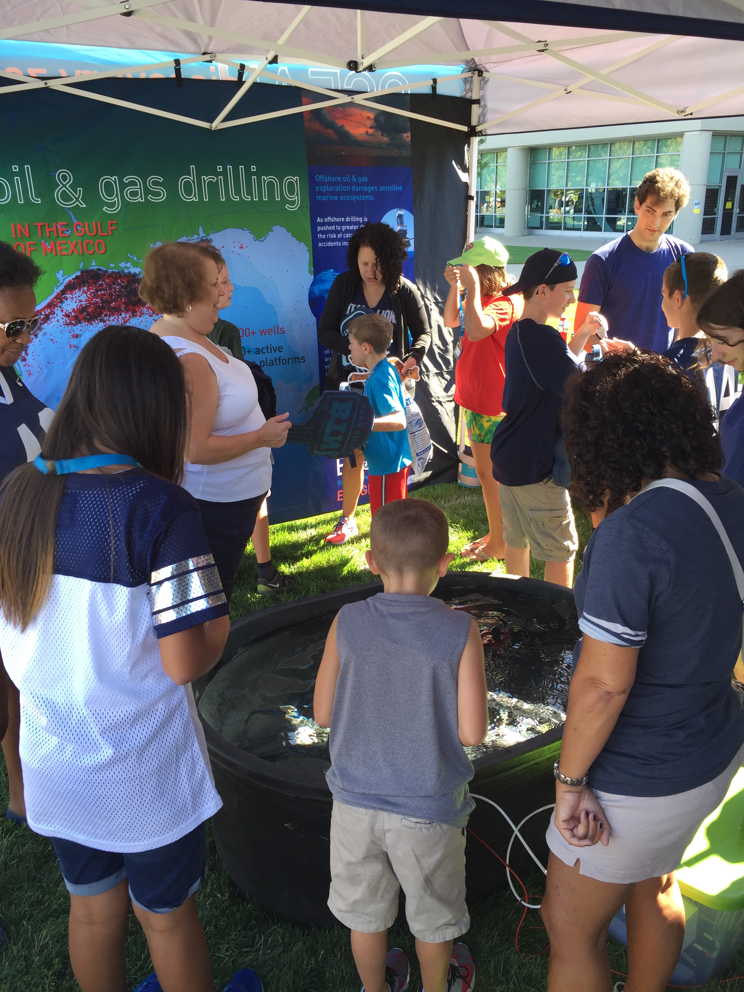 <div style='color:#000000;'><br /><br /><h2>Penn State Fan Fest 2016- Visitors exploring the Ocean Discovery Zone before the Sept 3rd, 2016 Penn State vs Kent State game</h2>(c) ECOGIG</div>